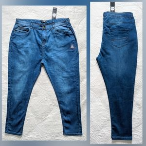 Boohoo | Mid Rise 5 Pocket Skinny Jean | 22